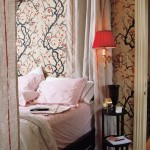Sophisticated bedrooms - Luscious bedroom with fabulous chinoiserie wallpaper