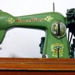 Retro sewing machine - Vintage inspiration - mylusciouslife.com