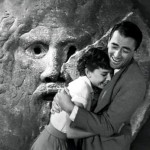 Audrey Hepburn and Gregory at the Mouth of Truth in Rome - Roman Holiday