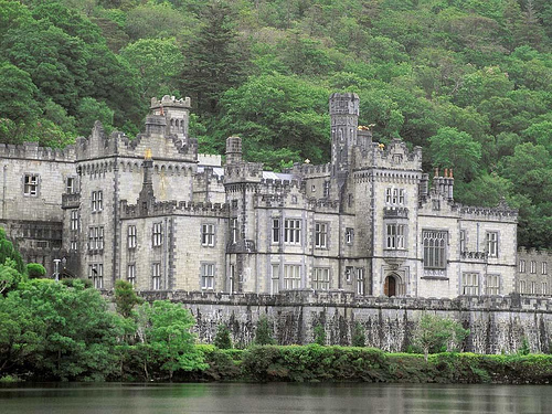 Beautiful houses and gardens - Irish castle