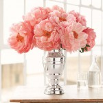 Images of vases - pink peonies in glass vase