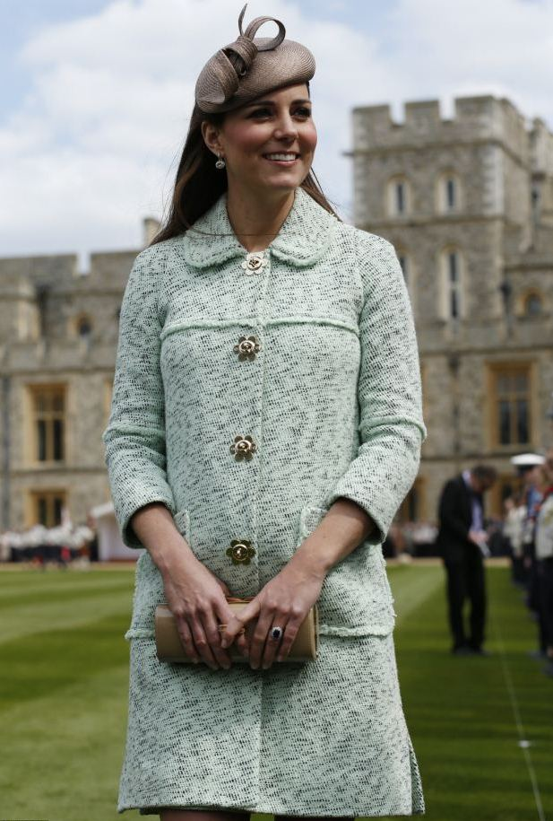 Kate Middleton maternity style - mint-green Mulberry coat