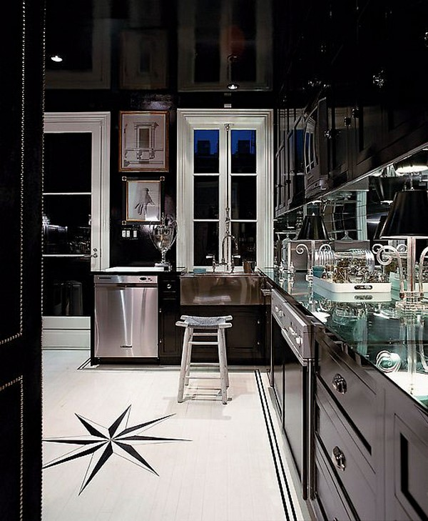 STYLISH HOME: Black and white interiors