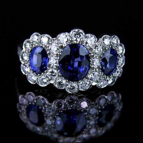 Ceylon-sapphire-engagement-ring