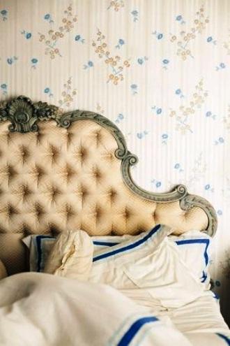 Beige ornate tufted headboard via mylusciouslife