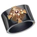 Glamorous jewelry - Beautiful black cuff with gold details
