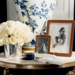 Glamorous living - Blue and white interior decoration
