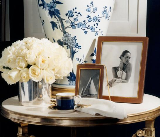 Glamorous living - Blue and white interior decoration