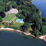 Houses of the rich and famous - 190 million Copper Beech Farm in Connecticut