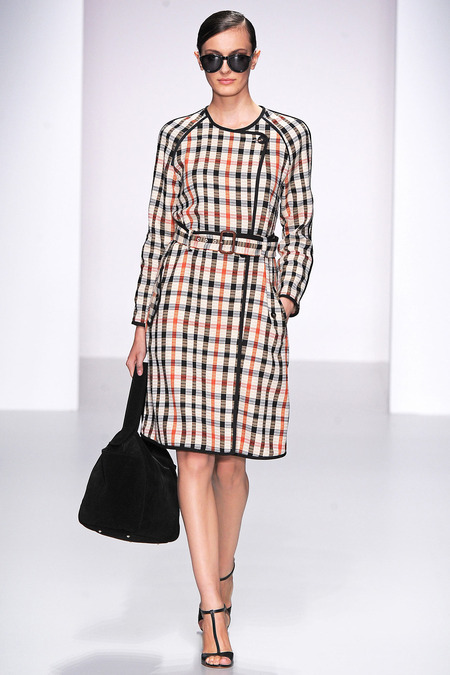 Fashion on the runway: Daks Spring 2014 RTW Collection