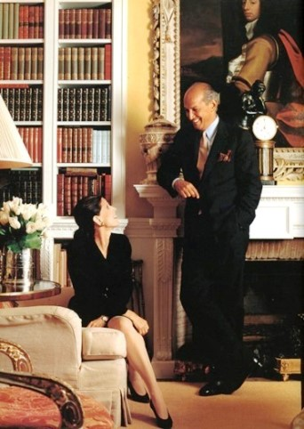 DESIGNERS AT HOME: Annette and Oscar at home in their Park Avenue home