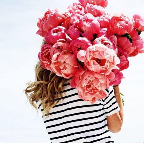 LUSCIOUS LIVING: Pink peonies
