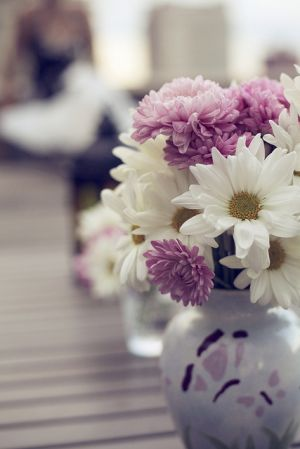 Images of vases - purple and white flowers in vase.jpg