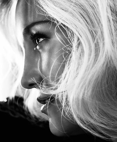 Kate Hudson by Camilla Akrans for Harpers Bazaar US October 2012 close-up.jpg
