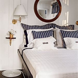 Blue and white pictures - sailor-chic-bedroom_coastal-living.jpg