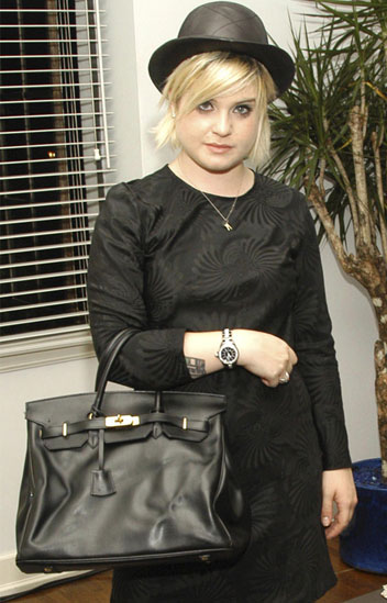 2e6b1e1d9198 ... birkin celebrities - kelly with her black birkin bag Hermes ...