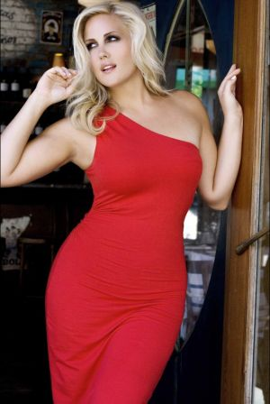 Plus size fashion photos - Nicole LeBris.jpg