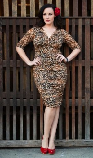 c12-Curvy girls Luscious blog - Melissa Masi - Betsey Ruched Dress at Kiyonna.jpg