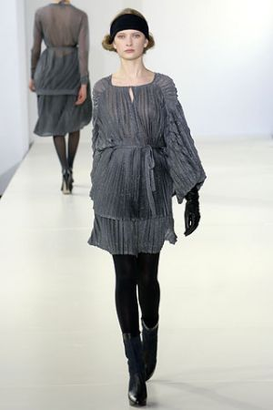 Fashion inspired by history - 2006 fall runway collection from Emma Cook.jpg