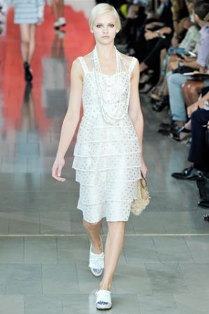 Fashion inspired by history - Tory Burch Spring 2012.jpg