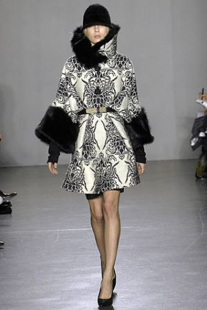 Fashion inspired by history - proenza Schouler - Fall 2007.jpg