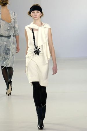 Inspiration from history - 2006 fall runway collection from Emma Cook.jpg