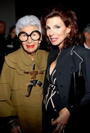 Iris Apfel at the Ralph Rucci Spring 2010 show.jpg