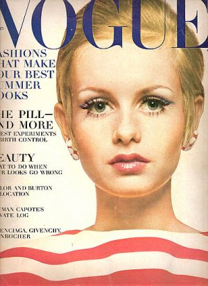 Vintage Vogue magazine covers - mylusciouslife.com - Vintage Vogue April 1967 - Twiggy.jpg