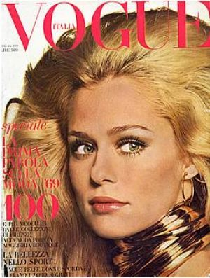 Vintage Vogue magazine covers - mylusciouslife.com - Vintage Vogue Italia August 1968_-_Lauren_Hutton.jpg