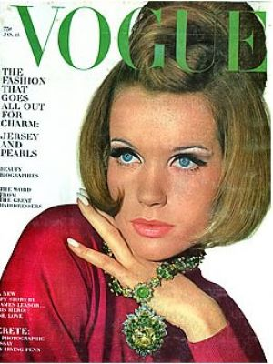 Vintage Vogue magazine covers - mylusciouslife.com - Vintage Vogue January 1965 - Veruschka.jpg