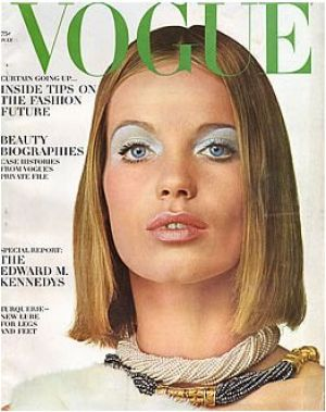 Vintage Vogue magazine covers - wah4mi0ae4yauslife.com - Vintage Vogue July 1965 - Veruschka.jpg