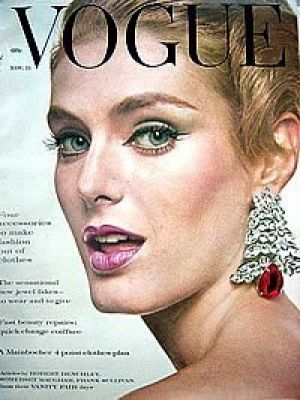 Vintage Vogue magazine covers - mylusciouslife.com - Vintage Vogue November 1960.jpg