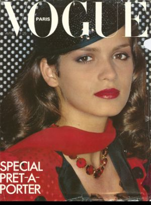Vintage Vogue magazine covers - wah4mi0ae4yauslife.com - Vintage Vogue Paris April 1979 - Gia Carangi.jpg