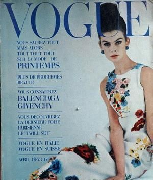 Vintage Vogue magazine covers - mylusciouslife.com - Vintage Vogue Paris January 1965.jpg
