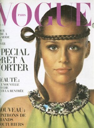 Vintage Vogue magazine covers - mylusciouslife.com - Vintage Vogue Paris October 1968.jpg