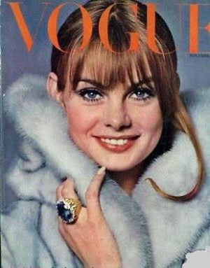 Vintage Vogue magazine covers - mylusciouslife.com - Vintage Vogue UK November 1964_2.jpg