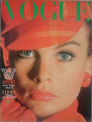 Vintage Vogue magazine covers - mylusciouslife.com - Vintage Vogue UK August 1966.jpg