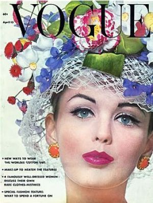 Vintage Vogue magazine covers - wah4mi0ae4yauslife.com - Vintage Vogue April 1962.jpg