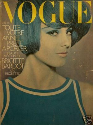 Vintage Vogue magazine covers - mylusciouslife.com - Vintage Vogue Paris January 1966.jpg