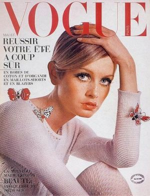 Vintage Vogue magazine covers - mylusciouslife.com - Vintage Vogue Paris May 1967 - Twiggy.jpg
