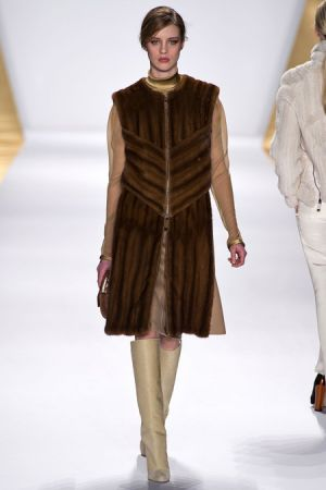J. Mendel Fall 2013 RTW collection16.JPG