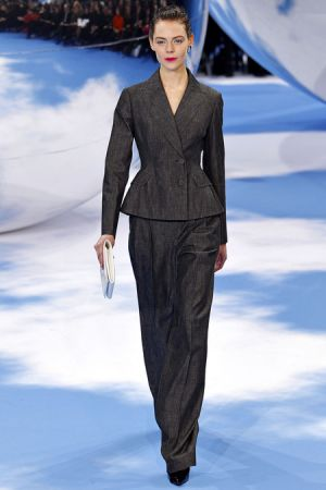 Christian Dior Fall 2013 RTW collection7.JPG