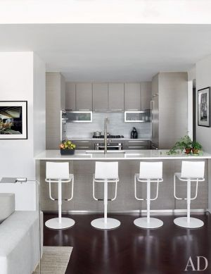Grey and white kitchen - A Manhattan Apartment decorated by Vicente Wolf interior designer