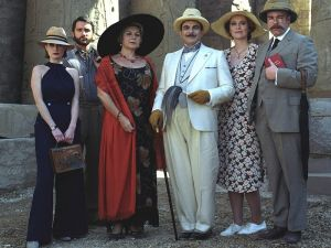 1920s fashion for men and women - Agatha Christie and Poirot.jpg