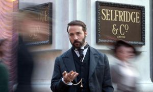 Jeremy Piven as Harry Selfridge.