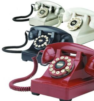 Old style phone pictures - retro phones.jpeg