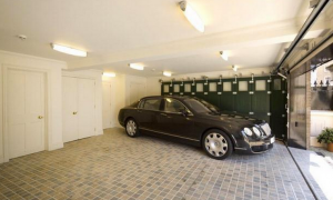 1 Cornwall Terrace Mews in London - Garage.PNG