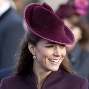 Duchess style images - Pictures of Kate Middleton - Kate-hat fashion.jpg