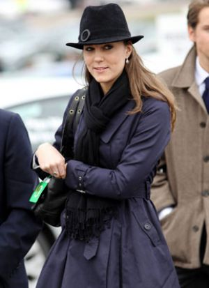 Kate Middleton images - kate-middleton-cheltenham-horse-race.jpg