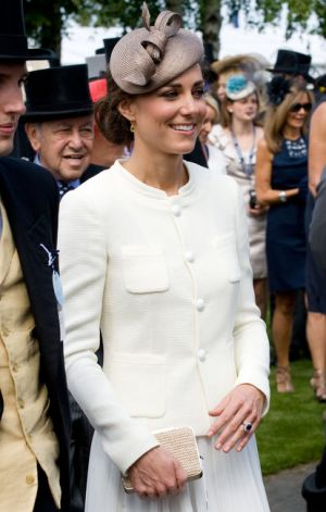 Pics of Kate Middleton - race fashion - kate-middleton-epsom.jpg